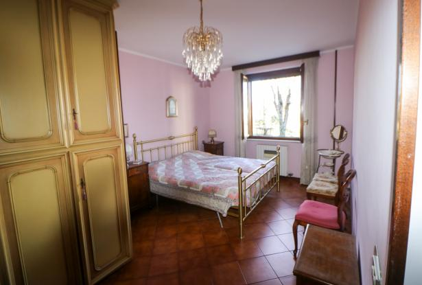 Desenzano two room apartment and garage 32