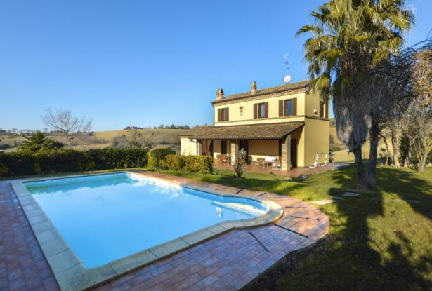 Family Villa With Pool In Le Marche Countryside 2