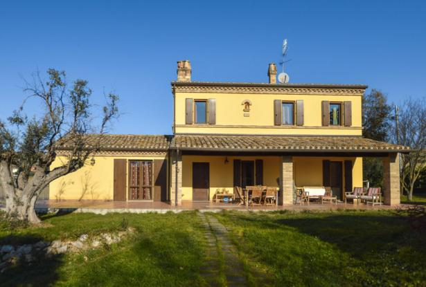 Family Villa With Pool In Le Marche Countryside 4