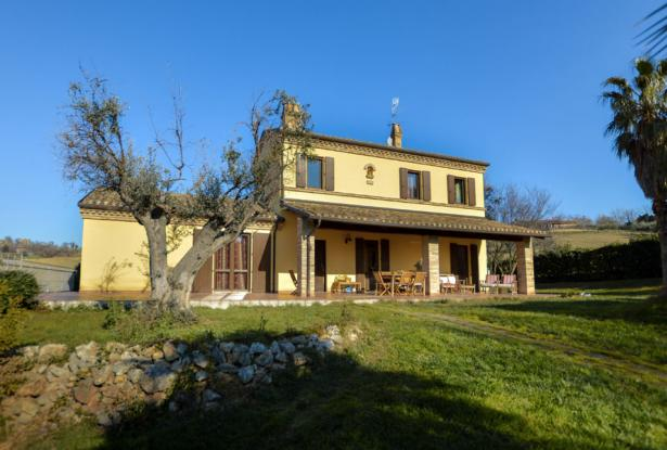 Family Villa With Pool In Le Marche Countryside 5