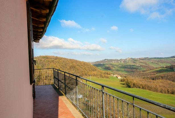 Zocca, large duplex with three bedrooms and panoramic balcony 30