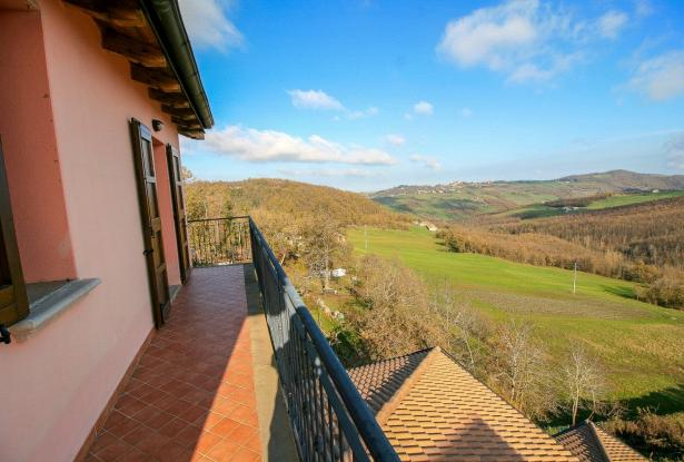 Zocca, large duplex with three bedrooms and panoramic balcony 31