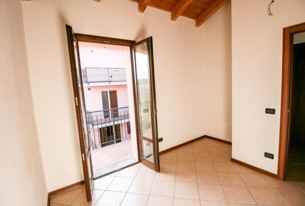 Zocca, large duplex with three bedrooms and panoramic balcony 39