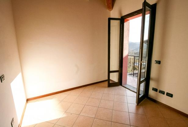 Zocca, large duplex with three bedrooms and panoramic balcony 41