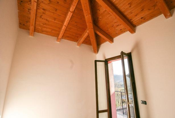 Zocca, large duplex with three bedrooms and panoramic balcony 40