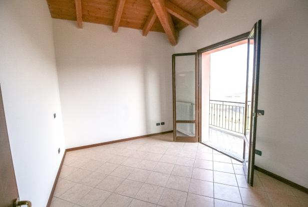 Zocca, large duplex with three bedrooms and panoramic balcony 23