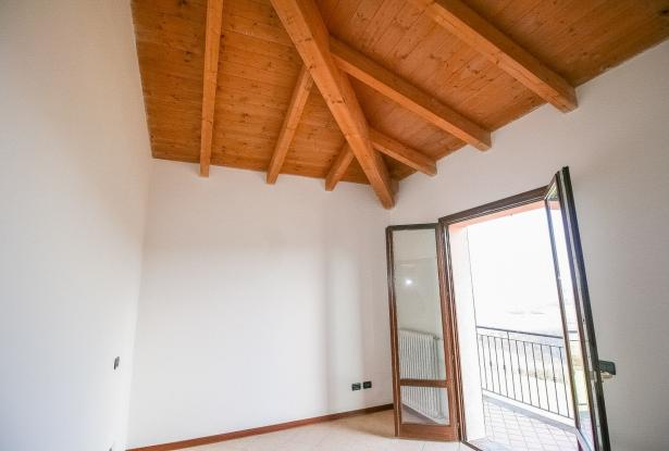 Zocca, large duplex with three bedrooms and panoramic balcony 24