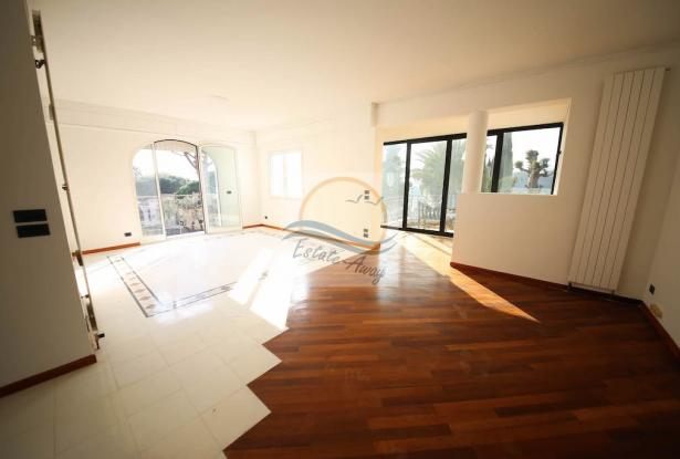 iv1107 Villa with swimming pool and sea view for sale in Bordighera. 7