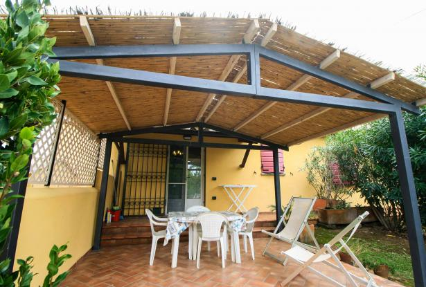 Small villa with 1500 square meters of land in the Castagneto Carducci countryside 3