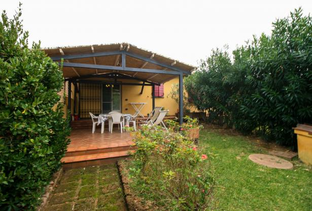Small villa with 1500 square meters of land in the Castagneto Carducci countryside 2