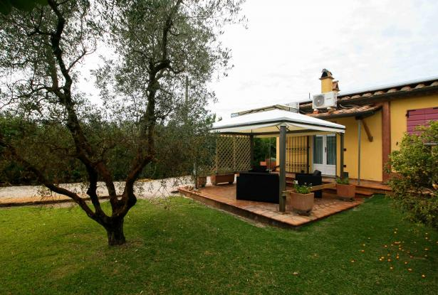 Small villa with 1500 square meters of land in the Castagneto Carducci countryside 34