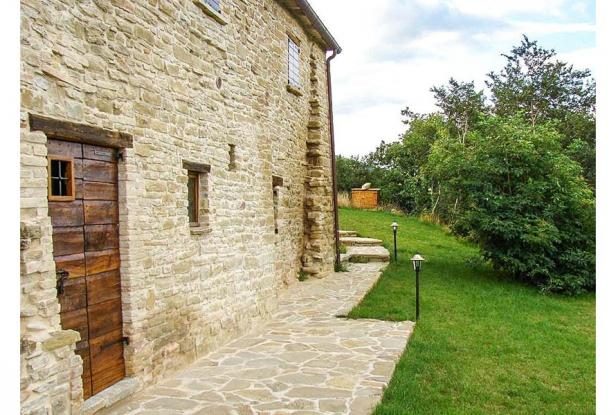 Tradition Meets Great Rental Return in North Marche 3