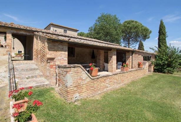 Stunning Mansion With Pool In the Heart of Val D'Orcia, Tuscany 8