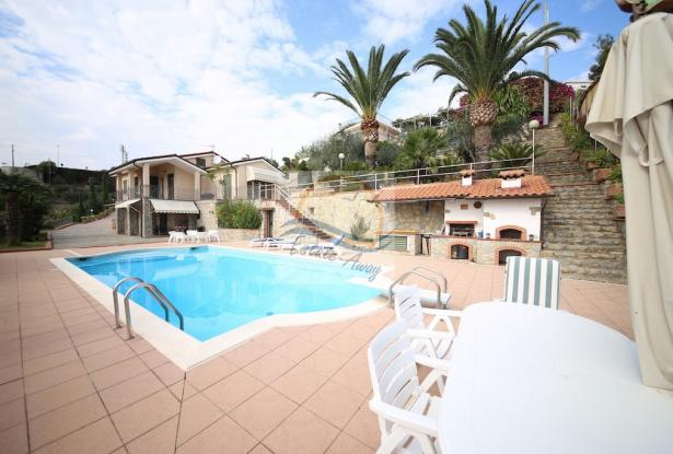 A1109 Villas with swimming pool and sea view for sale in Bordighera. 0