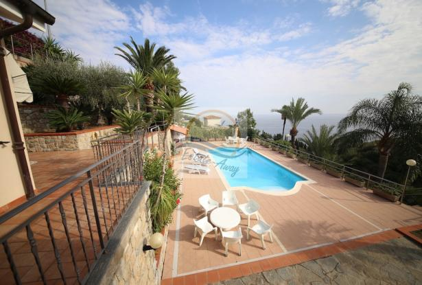 A1109 Villas with swimming pool and sea view for sale in Bordighera. 1