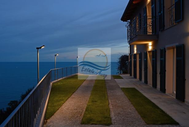 A1114 Villa with sea view for sale in Bordighera. 4