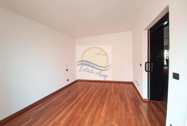 A1113 Penthouse with solarium and sea view for sale in Bordighera. 4