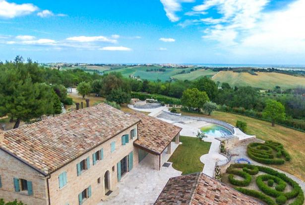 Luxury, Elegance & Prestige With Postcard Views, Le Marche 15