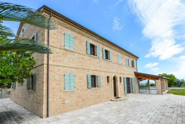 Luxury, Elegance & Prestige With Postcard Views, Le Marche 10