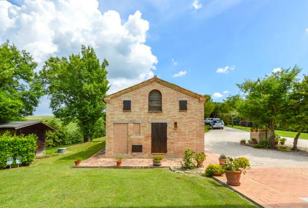 Premium Country Home With Outstanding 180° Views, Le Marche 15