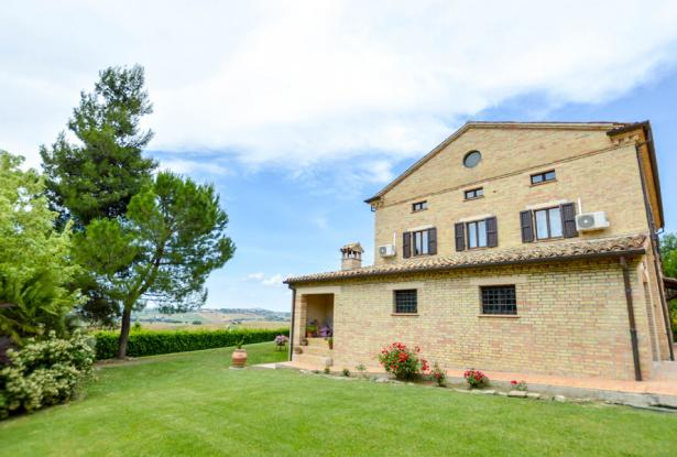 Premium Country Home With Outstanding 180° Views, Le Marche 5