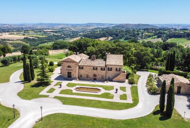 Monastery Near Treia With Golf Course And Pool, Le Marche 0
