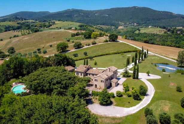 Monastery Near Treia With Golf Course And Pool, Le Marche 9