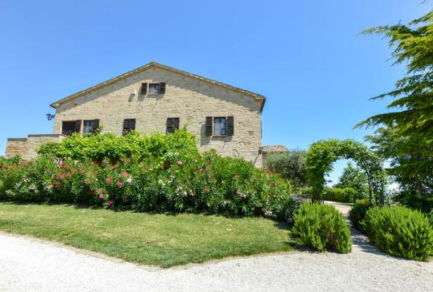 Monastery Near Treia With Golf Course And Pool, Le Marche 16