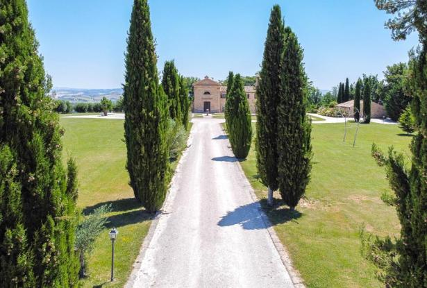 Monastery Near Treia With Golf Course And Pool, Le Marche 17