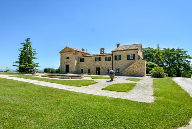Monastery Near Treia With Golf Course And Pool, Le Marche 3