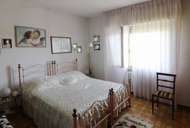 Donoratico, in the Tuscan countryside single house of two apartments with olive grove 34