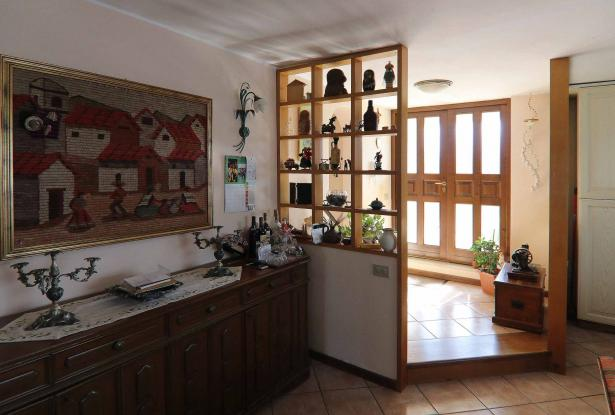 Donoratico, in the Tuscan countryside single house of two apartments with olive grove 3