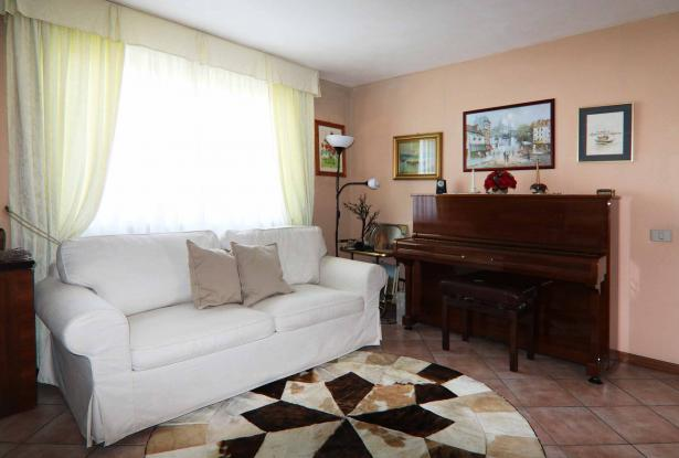 Donoratico, in the Tuscan countryside single house of two apartments with olive grove 8
