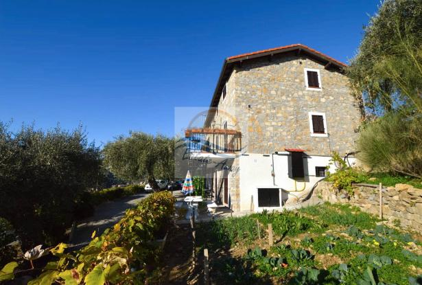 A1123 House with sea view for sale in Bordighera-Sasso. 5