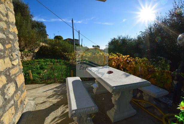 A1123 House with sea view for sale in Bordighera-Sasso. 6