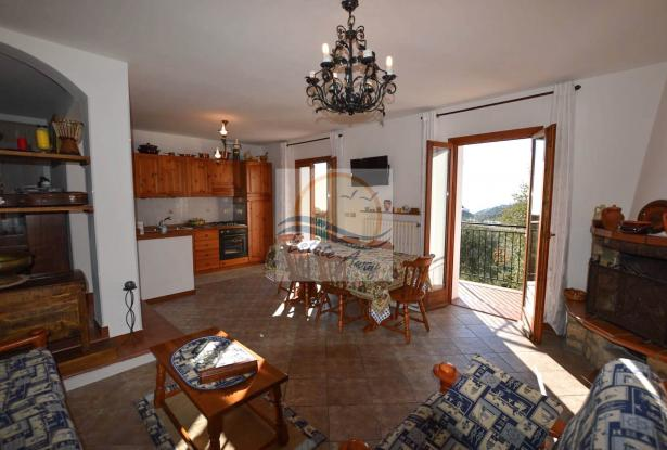 A1123 House with sea view for sale in Bordighera-Sasso. 8
