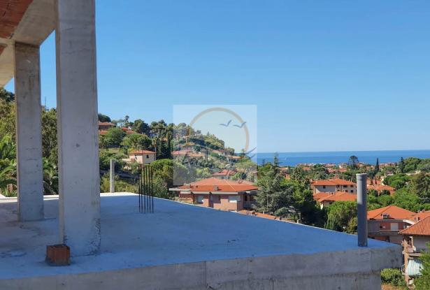 V728 For sale in Bordighera ,hilly area, independent house of 190sqm with sea view. 6