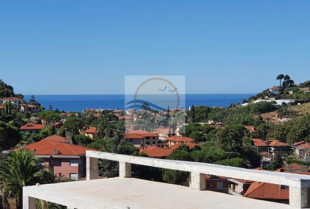 V728 For sale in Bordighera ,hilly area, independent house of 190sqm with sea view. 11