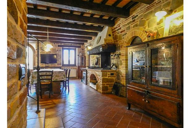Rustic Farmhouse In A Mountain Setting, Le Marche 21