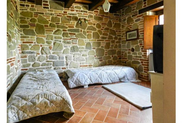Rustic Farmhouse In A Mountain Setting, Le Marche 22