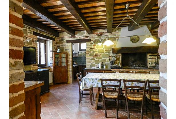 Rustic Farmhouse In A Mountain Setting, Le Marche 23