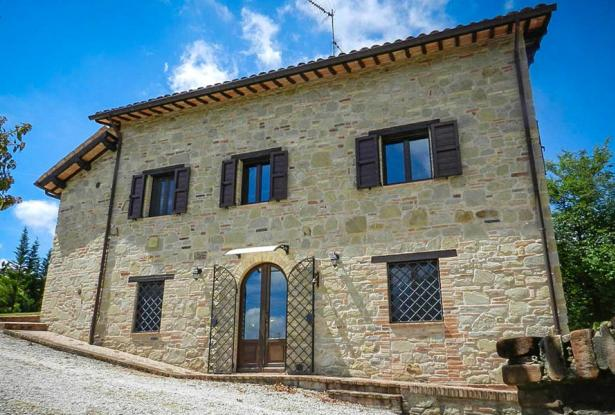 Rustic Farmhouse In A Mountain Setting, Le Marche 24