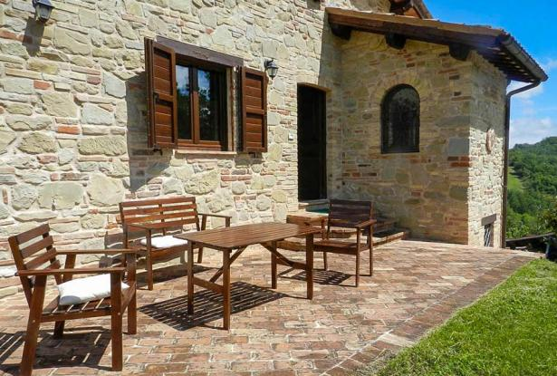 Rustic Farmhouse In A Mountain Setting, Le Marche 6