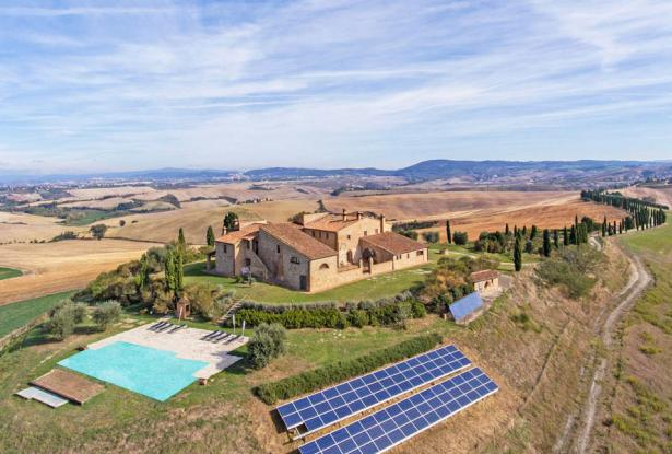 Amazing Restored Farmhouse With Pool In Asciano, Tuscany 0