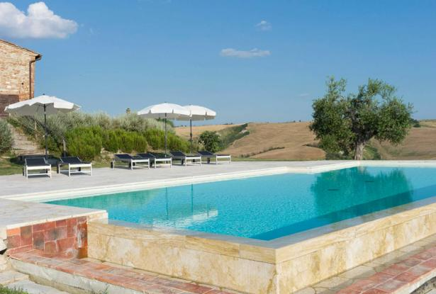 Amazing Restored Farmhouse With Pool In Asciano, Tuscany 10