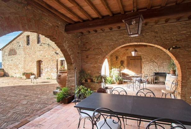 Amazing Restored Farmhouse With Pool In Asciano, Tuscany 19