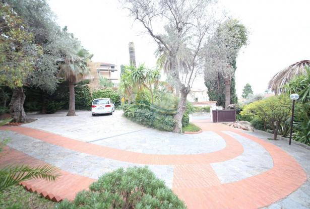 A866 Villa for sale in Bordighera, via Romana  2