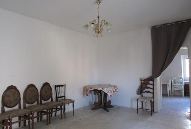 5 bedroom, habitable town house with terrace, 500sqm of garden and character. 11