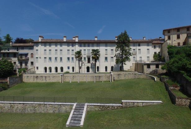 Asolo. Stunning apartment in historic building. P.O.A. ref.54a 3