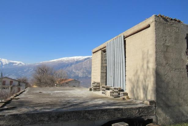 Detached barn of 140sqm to be converted into a house with 10,000sqm of land and fantastic, open, mountain views. 4
